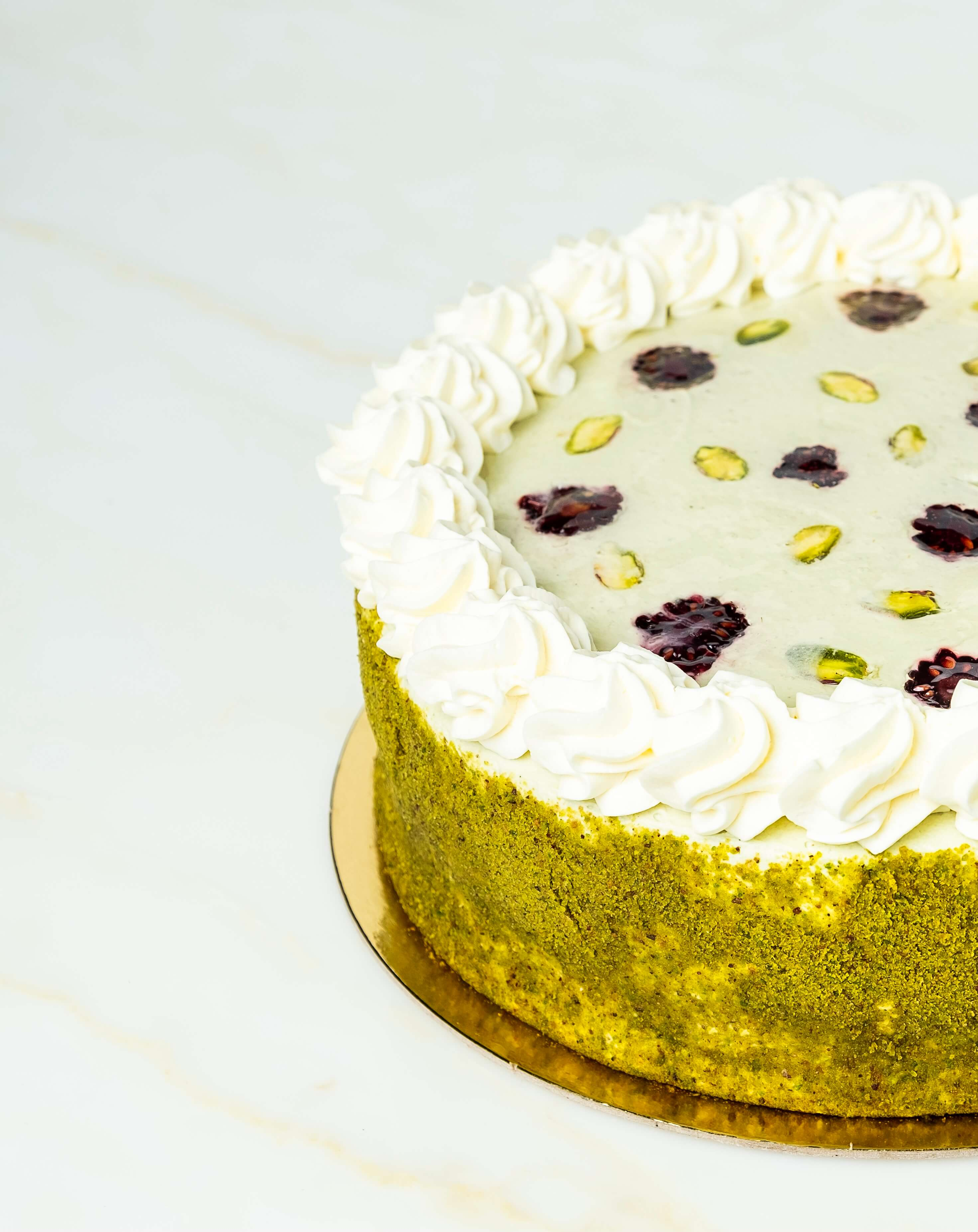 Pistachio Crunch cake